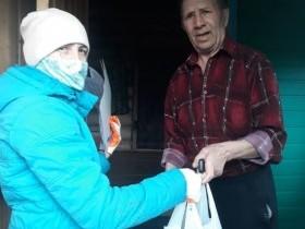Волонтеры раздали  продуктовый набор пожилым на территории СП Карача-Елгинский сельсовет
